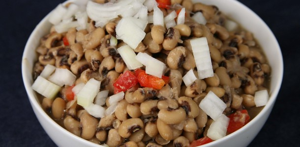 Bone Suckin' Black Eyed Peas Recipe
