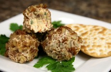 Bone Suckin' Cheese Ball Recipe