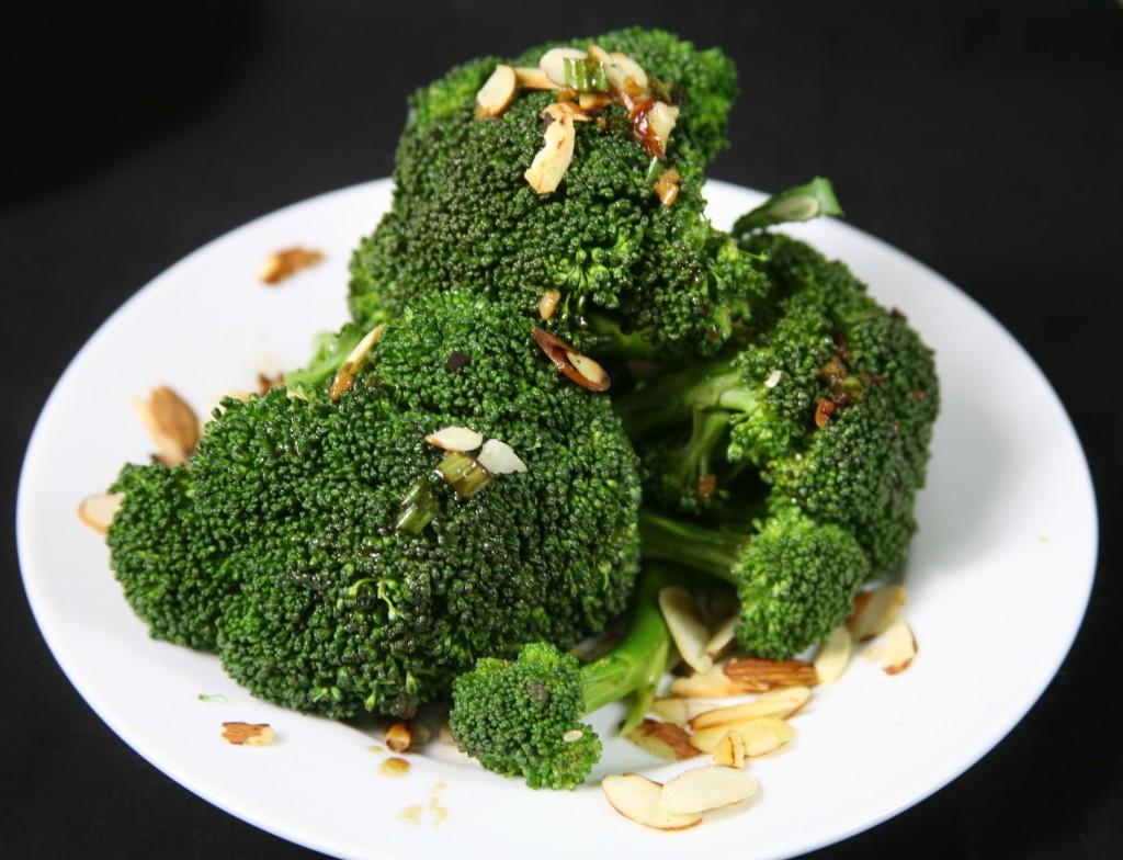 Bone Suckin'® Steamed Broccoli Recipe
