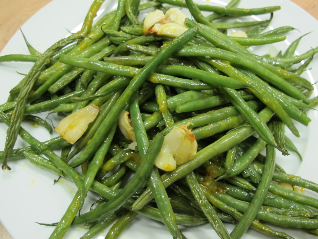 Bone Suckin'® Garlic Green Beans Recipe