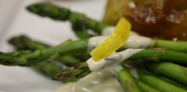 Bone Suckin' Grilled Asparagus with Lemon Dipping Sauce Recipe